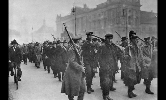 Nov 1918 Revolution Berlin