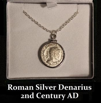 Women-Roman Pendant